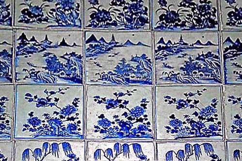 מרצפות סיניות בבית הכנסת הפרדאסי של קוצ'ין