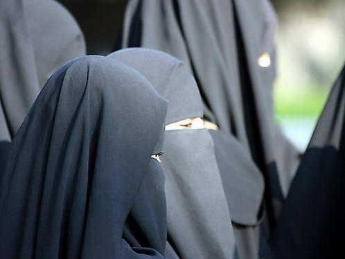 נשים עטויות חיגאב בעיר ההיי-טק היידרבד