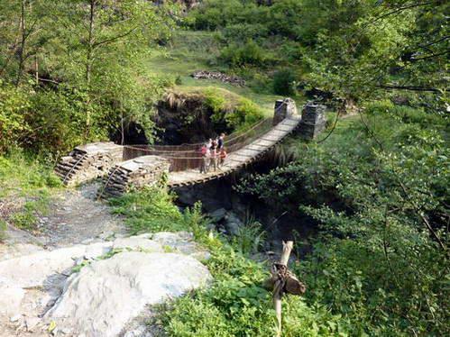 גשר תלוי, טרק פון היל