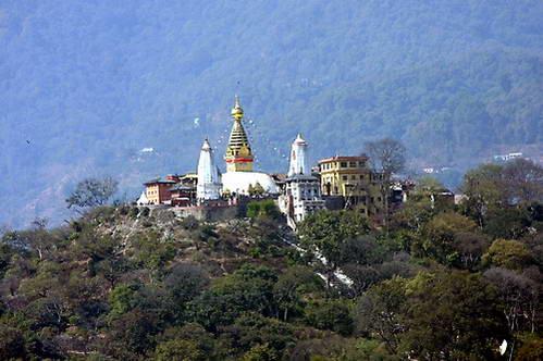 מקדש הקופים סוויאמבונאת המשקיף על עמק קטמנדו