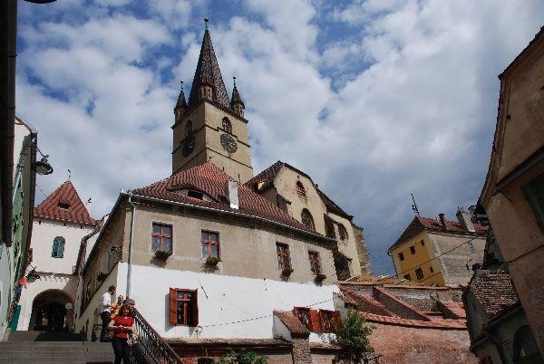 רומניה - מדינה של נופים והיסטוריה