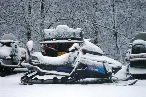 חורף ברומניה, אופנועי שלג
