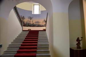 ברנינה אקספרס, מלון לה פרזה