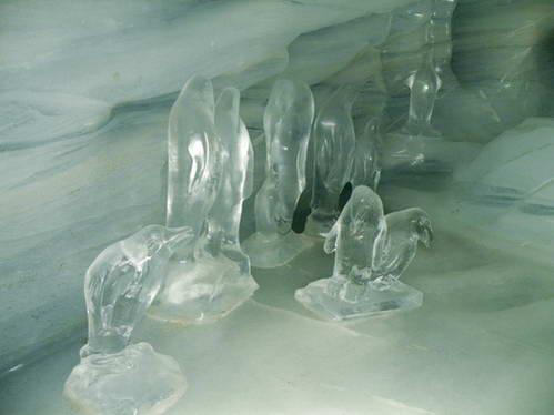 מערת הקרח בקרחון יונגפראו