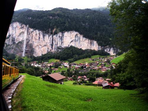 מפל שטאובך, עמק לאוטרברונן, מרכז שוויץ