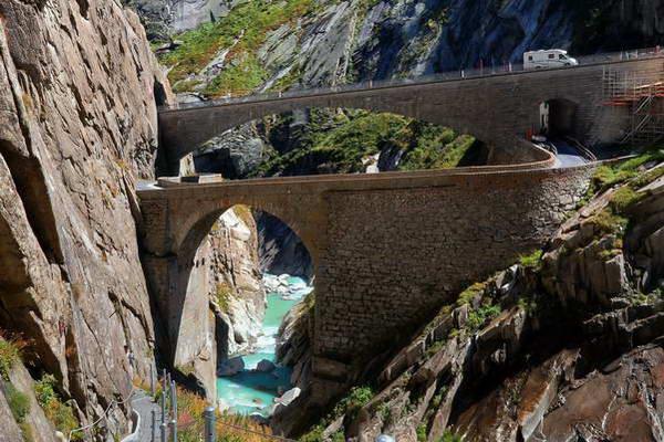 גשר השטן, קנטון טיצ'ינו, שוויץ