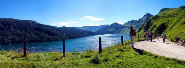גן עדן שוויצרי, תצפית על אגם ריטום בהרים מעל עמק לבנטינה, קנטון טיצינו