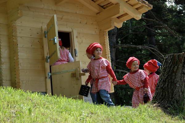 כפר הנופש הסליברג, מסלול הגמדים, שוויץ
