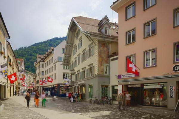 העיר כור (חור) במזרח שוויץ