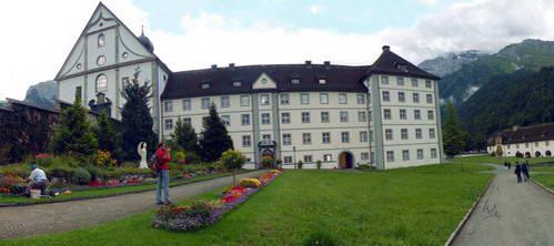 הר טיטליס, שוויץ, מנזר בנדיקטיני