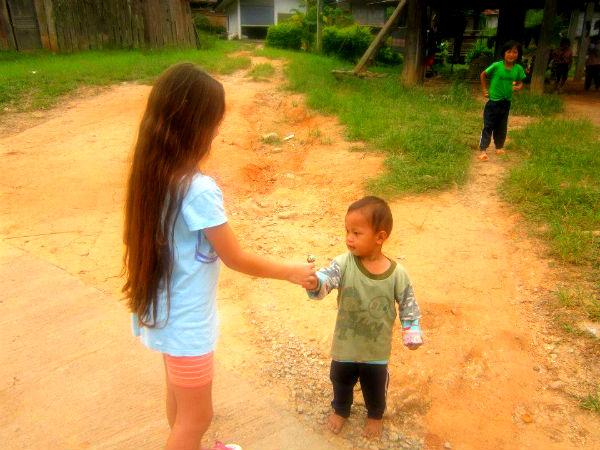 בני שבט הקארן בצפון תאילנד