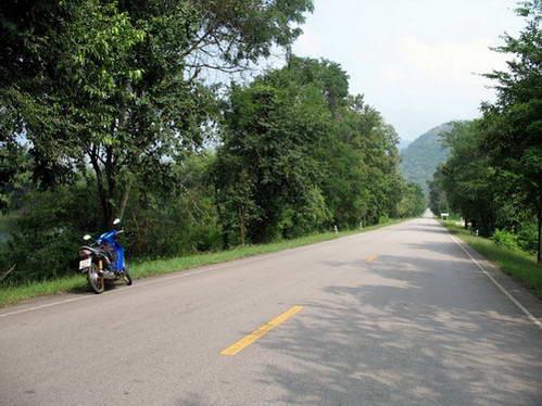 קאנצ'נאבורי, טיול באופנוע