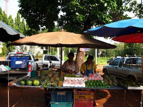 שוק מקומי, הדרך לסנגקלבורי