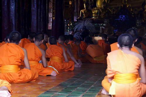 קאנצ'נאבורי, תפילת הנזירים במקדש הבודהיסטי