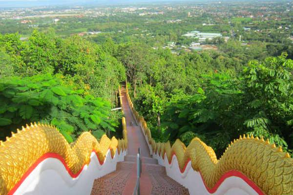 מקדש דוי קאם, צ'נג מאי, תאילנד